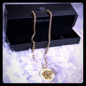 Men Versace Gold medallion
